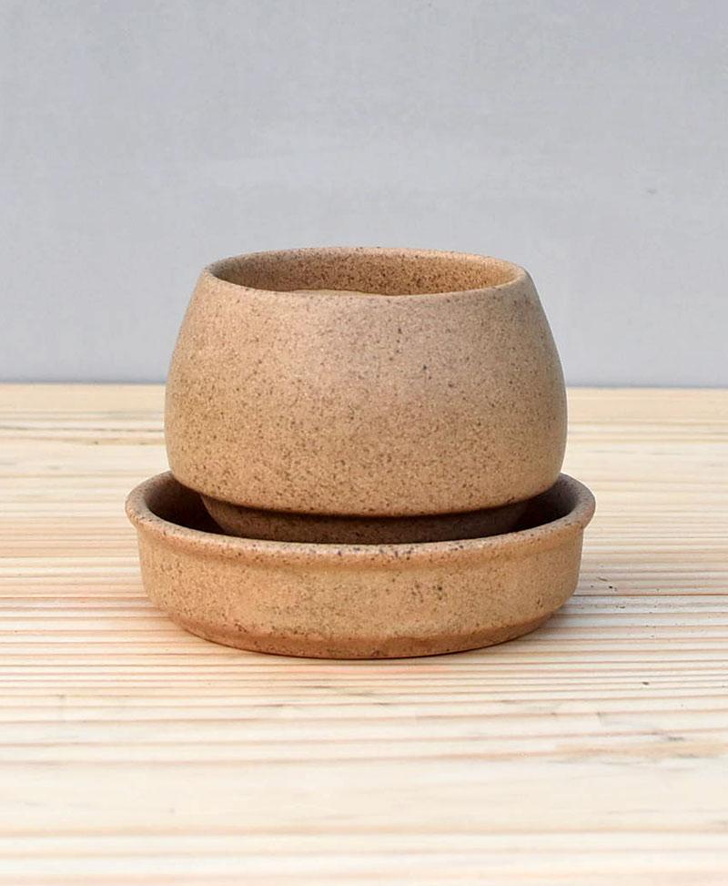Ceramic Egg Pot 2.5 inch Brown